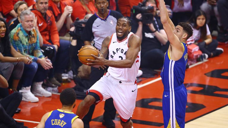 Kawhi Leonard rises to score with a lay-up in Game 5 against the Golden State Warriors
