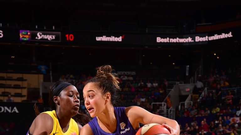 Lelani Mitchell attacks the Sparks defense