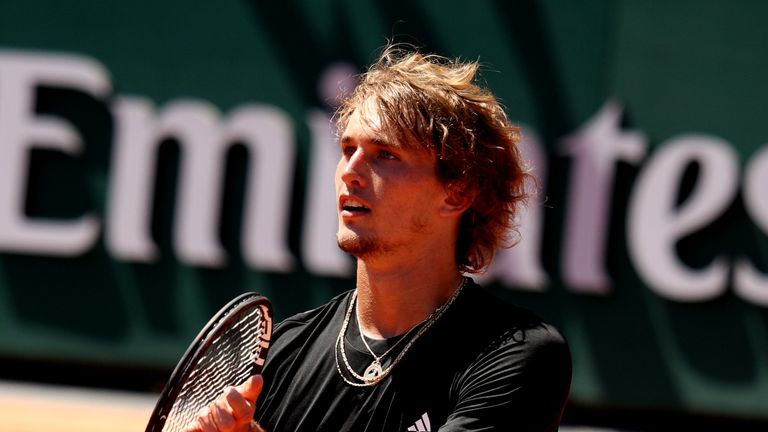 Alexander Zverev set up a popcorn match against Fabio Fognini in the last 16 on Monday