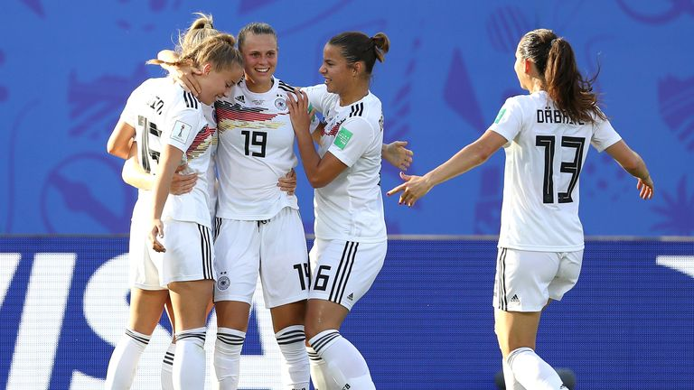 Lea Schuller celebrates her goal with Germany team-mates