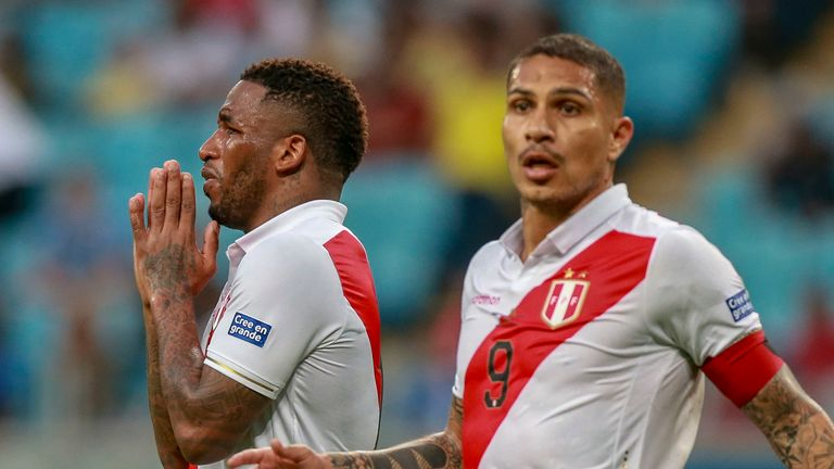 Jefferson Farfan and Paolo Guerrero left stunned after Peru have a second goal ruled out