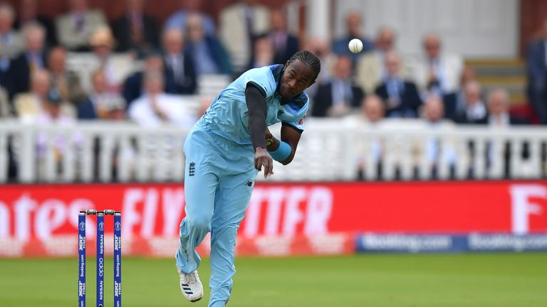 Did the style of England's 'bang-it-in' bowlers like Jofra Archer affect the lengths they bowled?