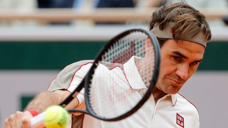Roger Federer started his Halle Open quest with a win on Tuesday