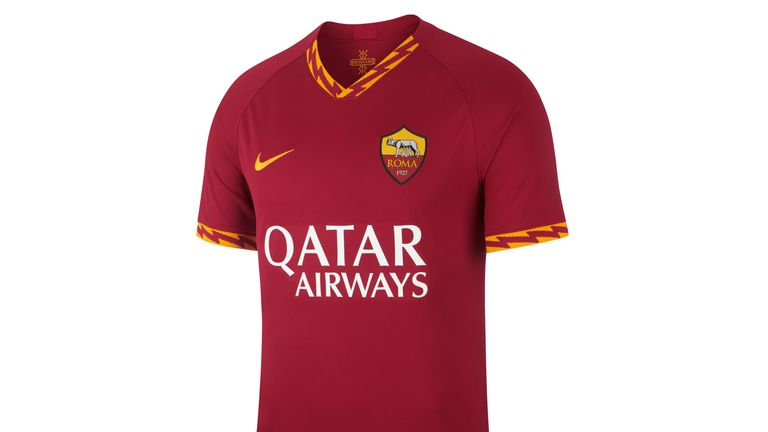Roma's new home strip features a lightning bolt inspired by Roman mythology
