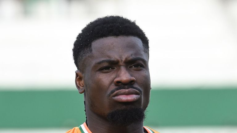 "Serge Aurier says he felt a ""tear"" during Friday's match against Morocco"