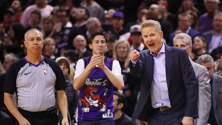 Steve Kerr yells instructions during the Warriors' NBA Finals Game 1 loss