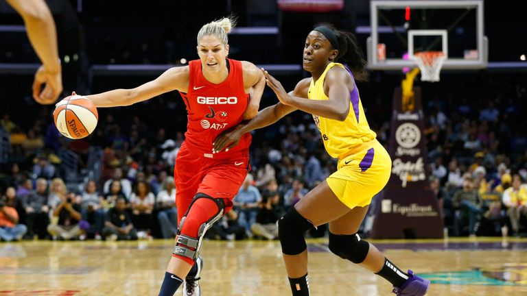 Elena Delle Donne drives to the basket