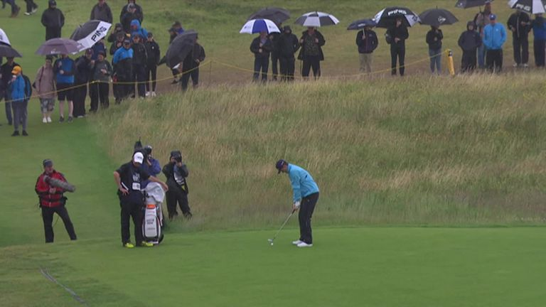 Justin Rose had a moment to forget as he horribly shanked his third shot on the 9th hole!