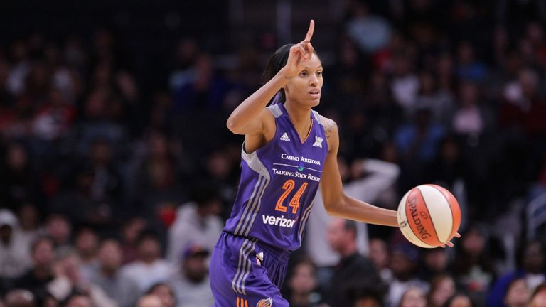 Dewanna Bonner in action for Phoenix Mercury