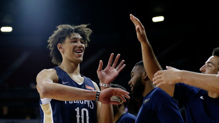 Jaxson Hayes celebrates with his Pelicans team-mates in Summer League