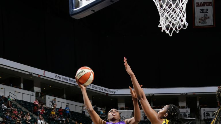 Nneka Ogwumike shoots over the Indiana Fever defense