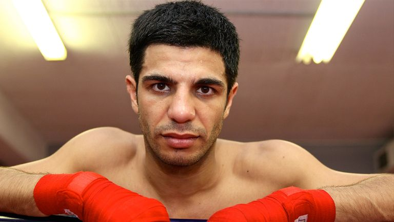 Australian boxer Dib believes Khan was a great champion but now very much in decline