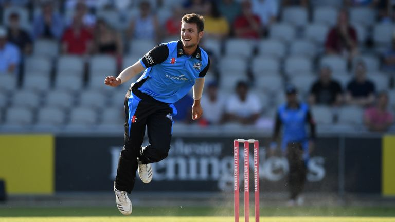 Ed Barnard's efforts with bat and ball helped Worcestershire Rapids beat Notts Outlaws by 28 runs
