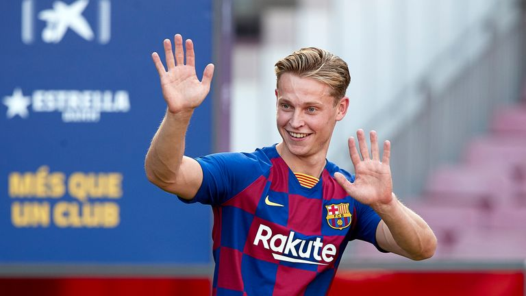 Frenkie de Jong presented at Barcelona