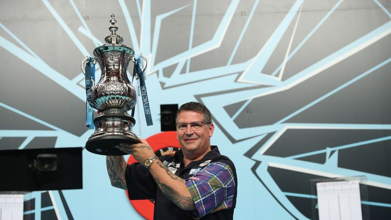 Gary Anderson celebrates winning the World Matchplay in 2018