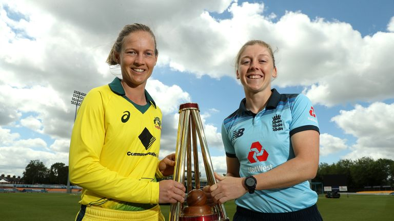 Lanning and Knight pose with the Ashes trophy on the eve of the series