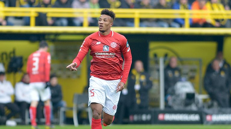 Jean-Philippe Gbamin in action for Mainz