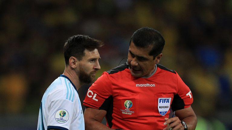 Lionel Messi y Rudi Zambrano