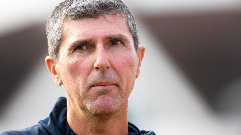 England Women's coach Mark Robinson stands down