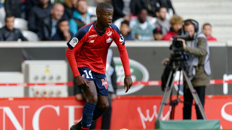cheap for discount 92e4b 7f0d4 Nicolas Pepe in London for Arsenal medical and to finalise ...