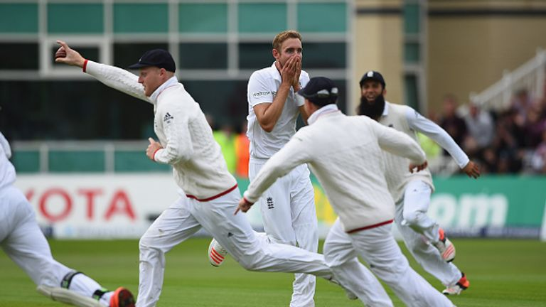 Stuart Broad passed 300 wickets and equalled the fastest Test five-wicket haul off 19 deliveries