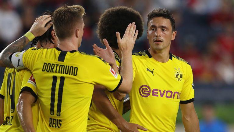 Thomas Delaney celebrates scoring with his Borussia Dortmund team-mates