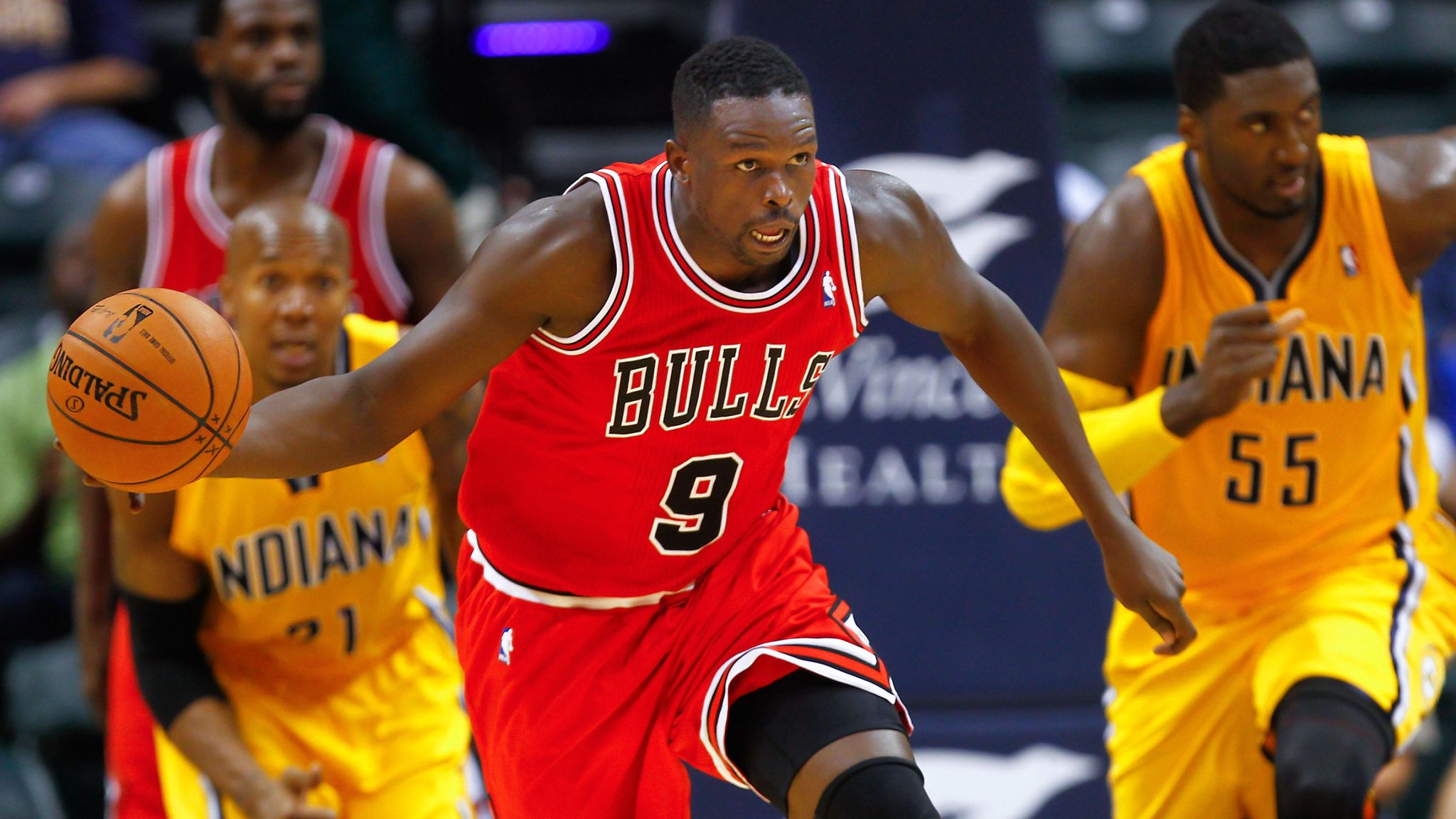 Luol Deng retires by signing one-day deal with Chicago Bulls