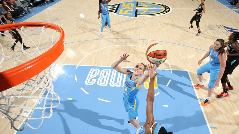 Allie Quigley grabs a rebound against the New York Liberty