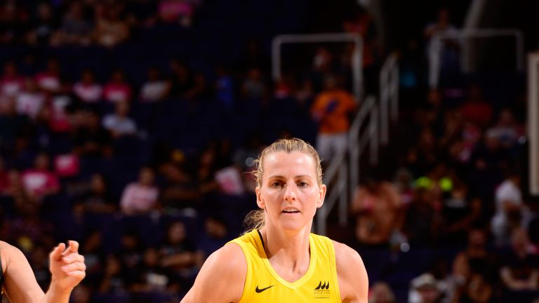 Allie Quigley controls possession for the Chicago Sky
