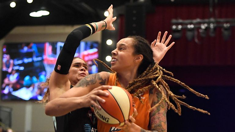 Brittney Griner attacks the basket against the New York Liberty