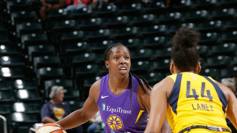 Chelsea Gray handles the ball against the Indiana Fever