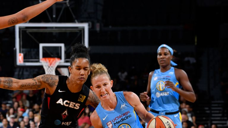 Courtney Vandersloot attacks the Sun defense