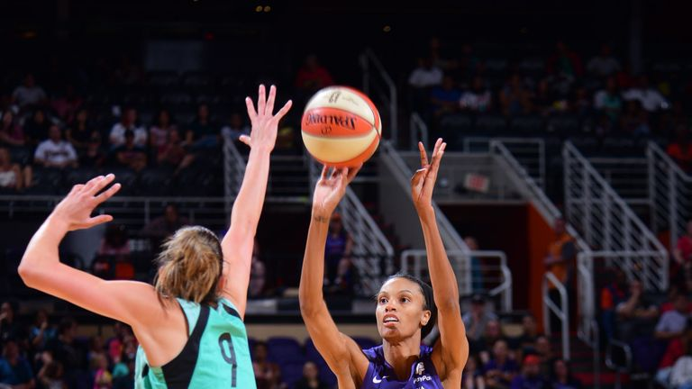 DeWanna Bonner fires a jump shot against the New York LIberty