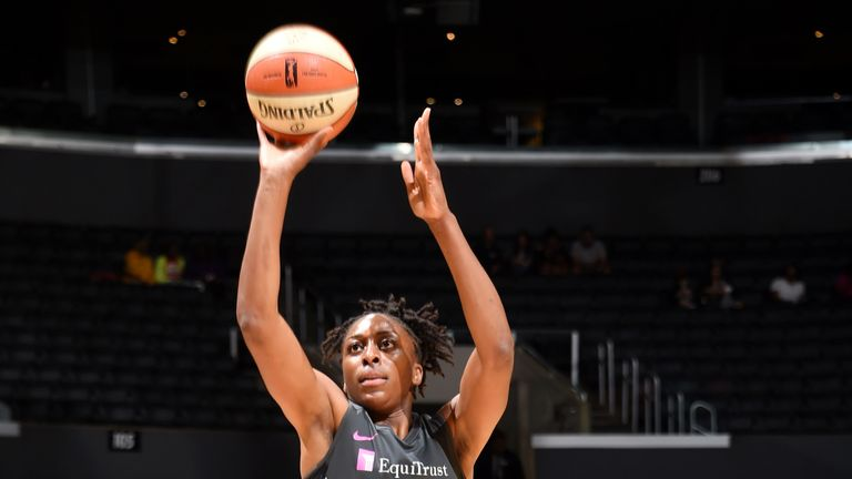 Nneka Ogwumike shoots a free throw against Indiana