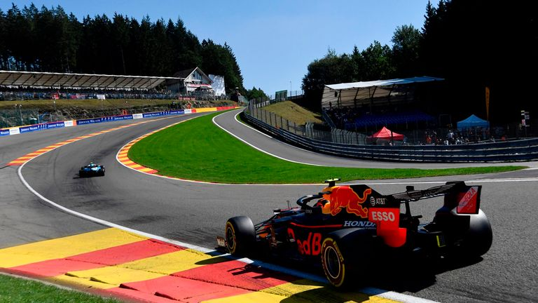 Belgian GP, Practice Three: Lewis Hamilton crashes out at