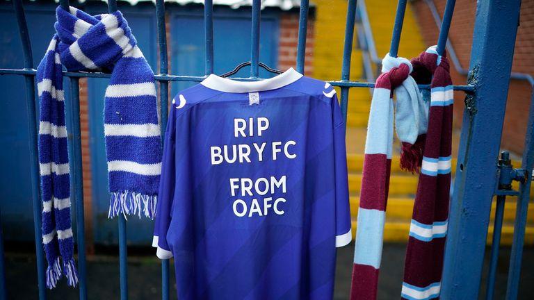 La membresía EFL de Bury fue retirada en agosto