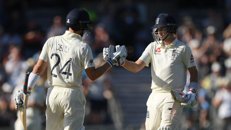 Joe Root and Joe Denly reach their 100 partnership on day three of the Third Test