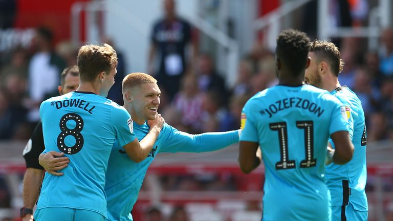 Derby County's Martyn Waghorn (second left) celebrates scoring his side's first goal of the game