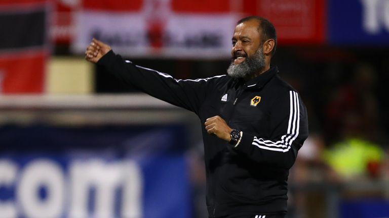 Nuno Espirito Santo acknowledges the travelling Wolves fans