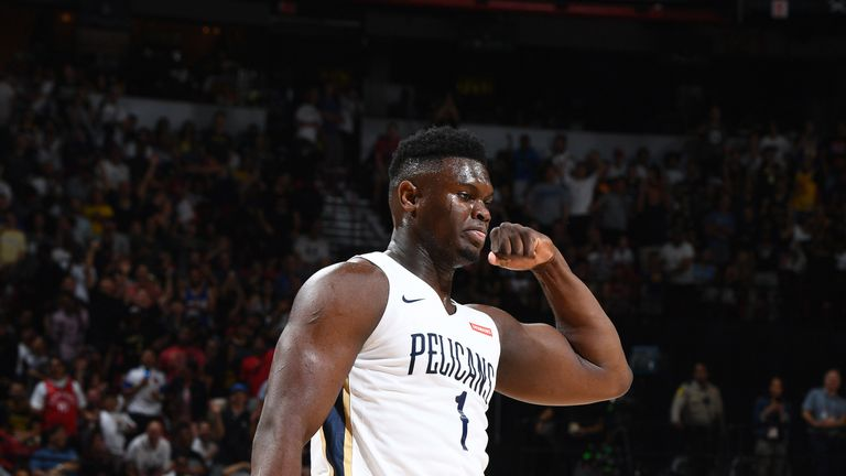 Zion Williamson flexes after scoring in his Summer League debut