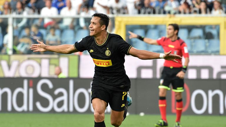 GENOA, ITALY - SEPTEMBER 28: Alexis Sanchez celebrates after score first goal during the Serie A match between UC Sampdoria and FC Internazionale at Stadio Luigi Ferraris on September 28, 2019 in Genoa, Italy.  (Photo by Paolo Rattini/Getty Images)