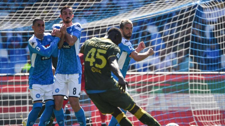 Balotelli lets fly from a free kick during Sunday's 2-1 defeat at Napoli
