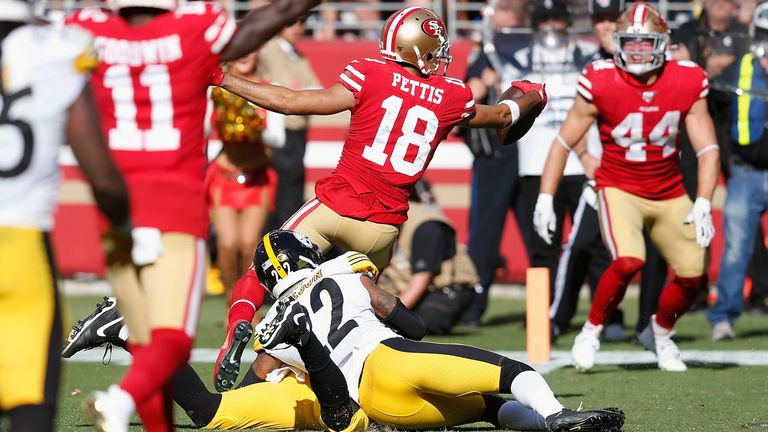 Dante Pettis of the San Francisco 49ers scores a touchdown in the fourth quarter against the Pittsburgh Steelers