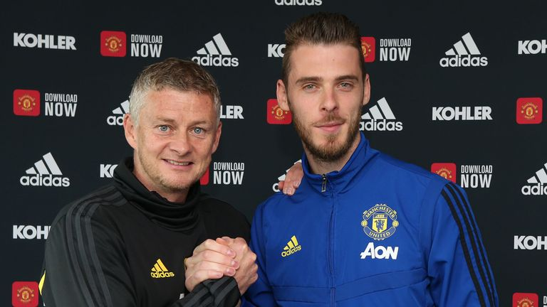 David de Gea signs a new contract at Manchester United