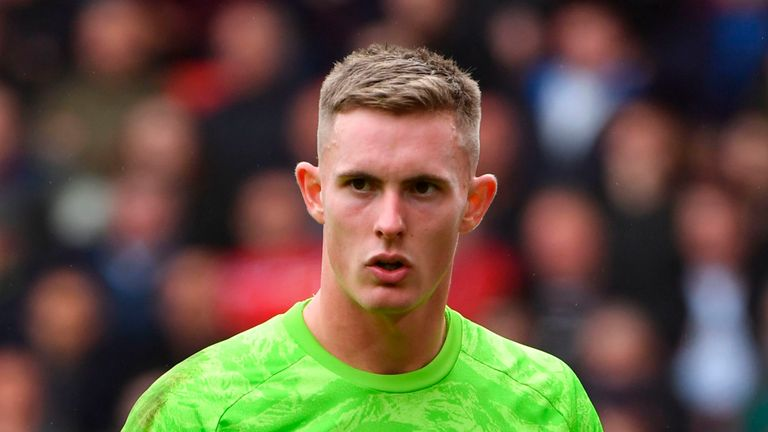 Sheffield United's Dean Henderson reacts after Georginio Wijnaldum's shot squeezes through his hands to make it 1-0