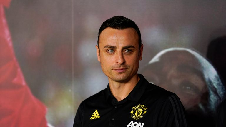 Dimitar Berbatov has officially announced his retirement from football