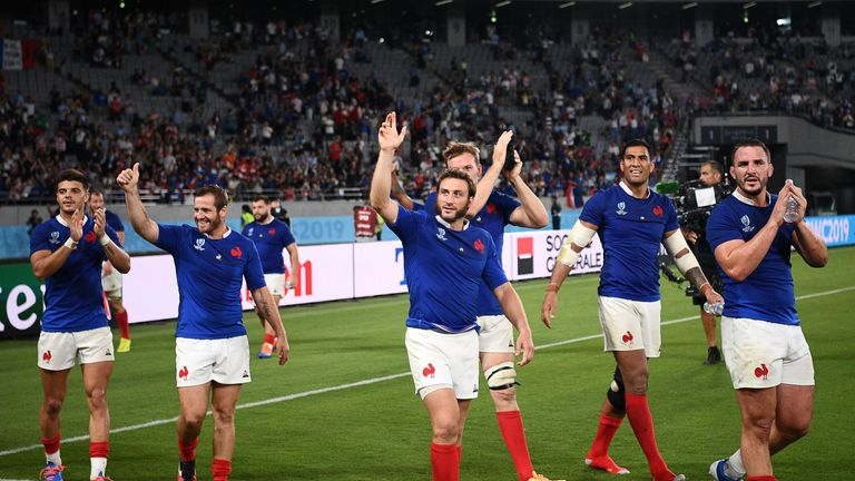 France edge Argentina in thriller