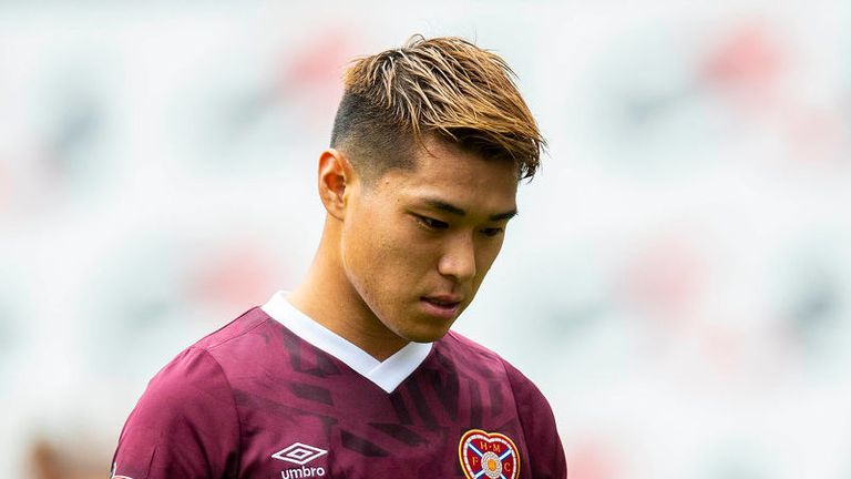 Hearts go bottom after losing 3-2 to Motherwell