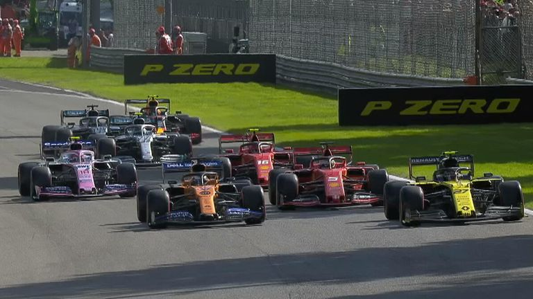 There was chaos in the final run of qualifying with only one car making it through before the chequered flag!