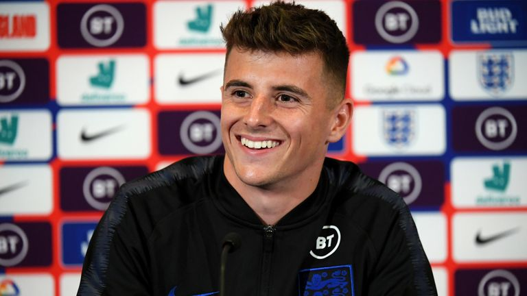 Mason Mount learning from Chelsea boss Frank Lampard with